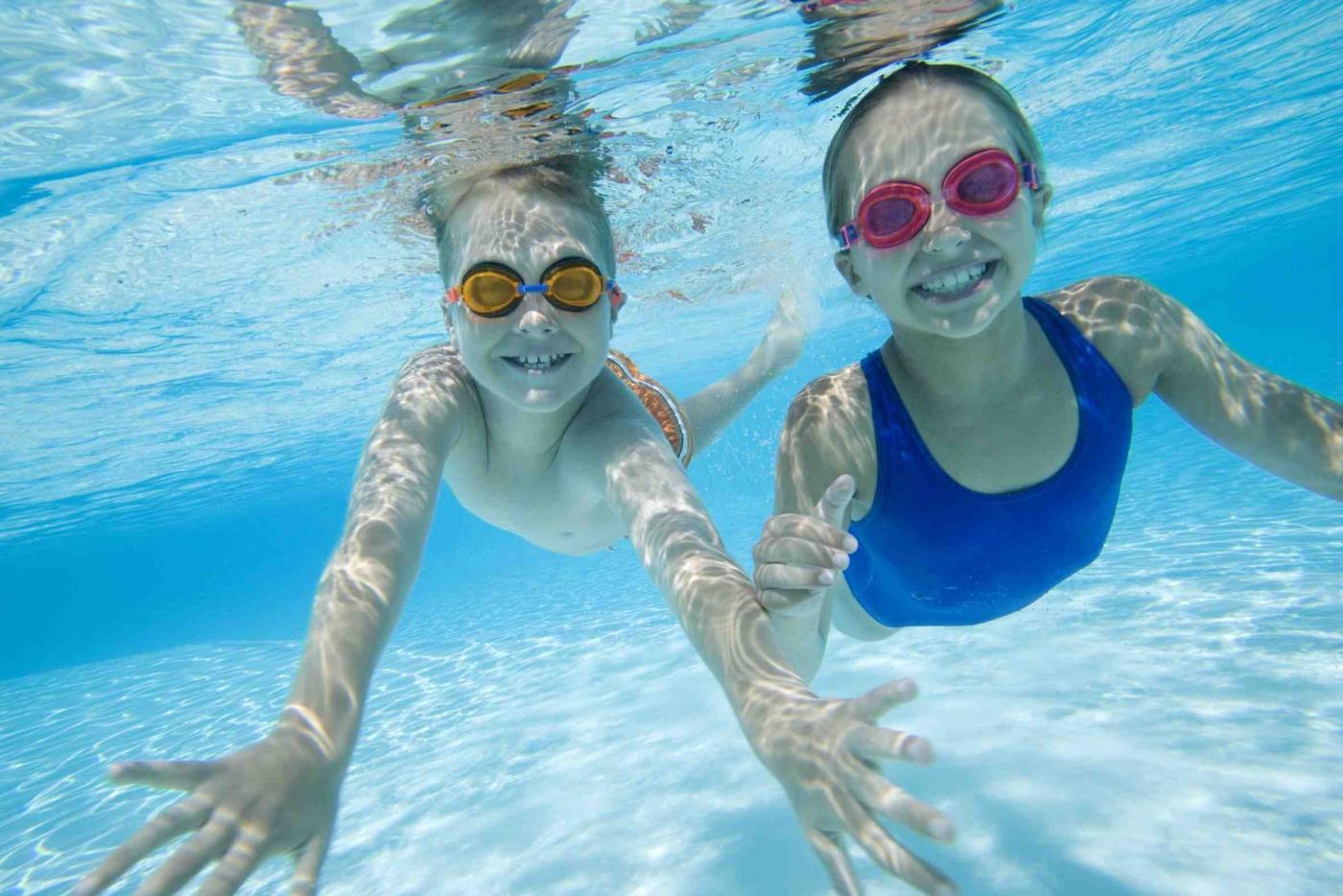 5375-Enfants-a-la-piscine-179817-e1432890228910