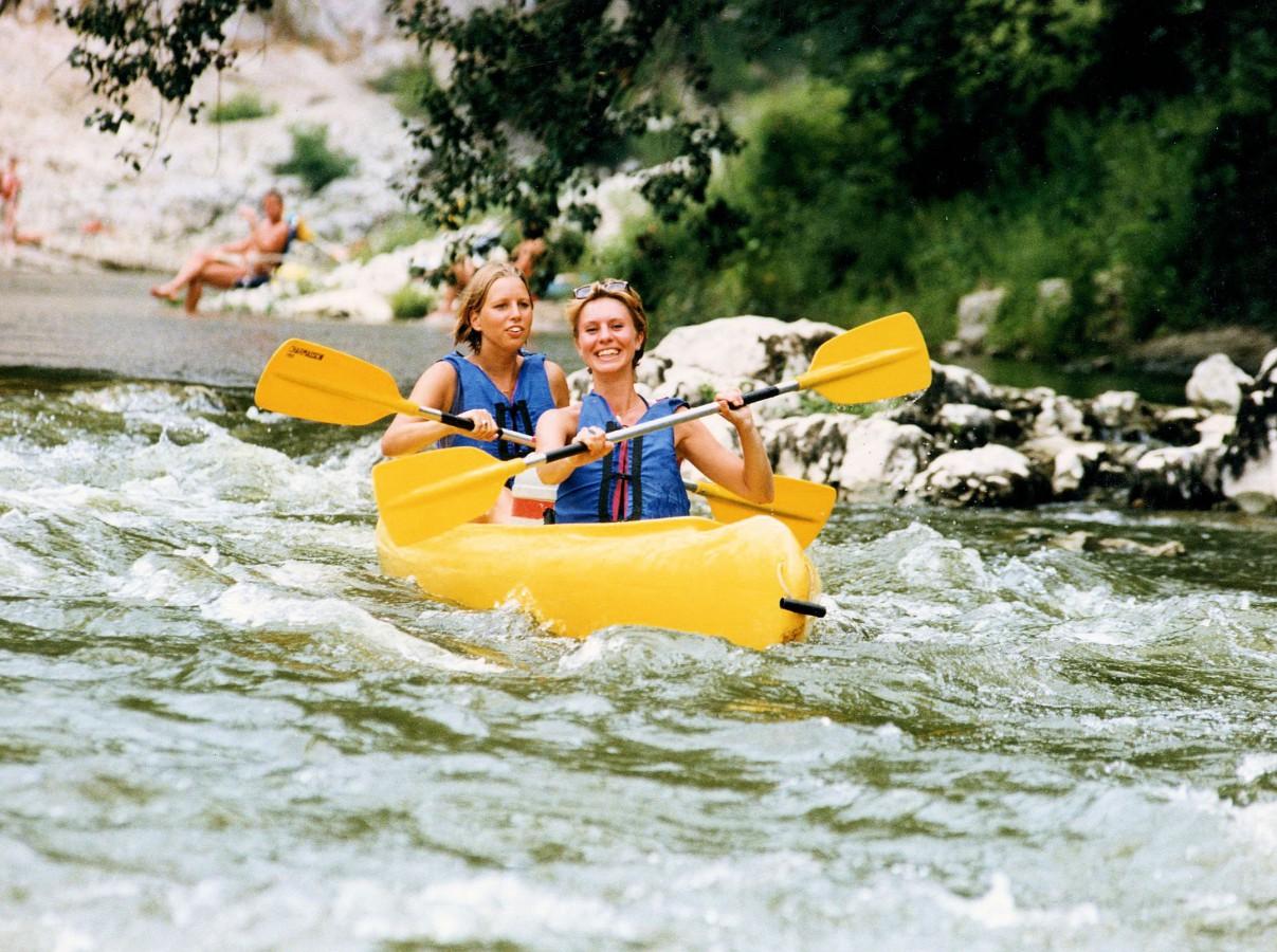 depart-en-canoe-kayak-directement-de-la-plage-du-camping_0000007912g6tia5sk90_l